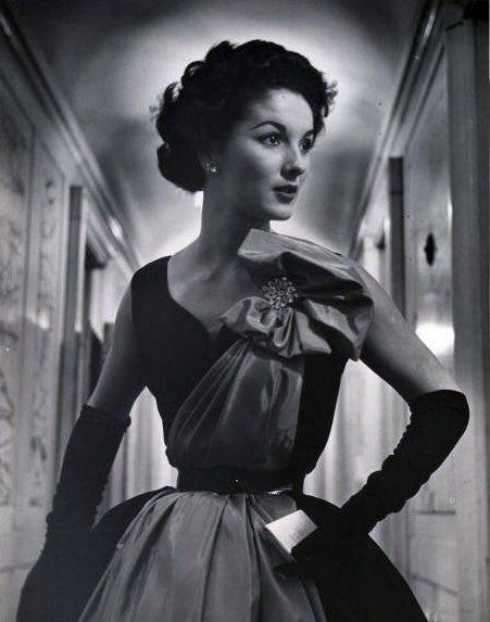 The vintage fashion photographer Nina Leen