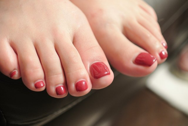 This Is Why Your Toenails Smell So Bad