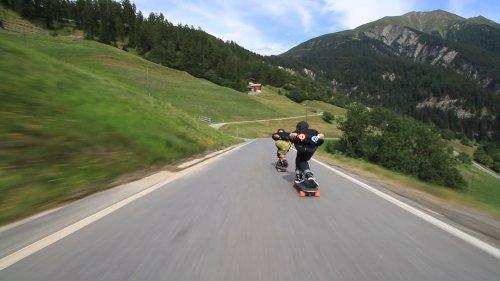 Epic Downhill Longboard Run at Scenic Speeds
