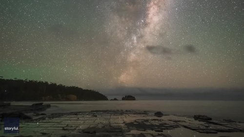 Milky Way and Tasmania's Tessellated Pavement Combine for a Stunning Timelapse