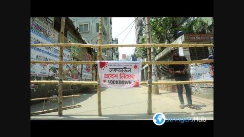 Locals set up bamboo barricades due to coronavirus in Dhaka, Bangladesh 3