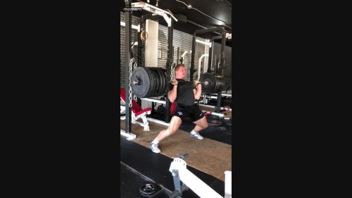 Super Strong Dude Sets Personal Weight-lift Record