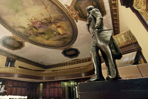 Fate of NYC City Hall Jefferson statue unclear after vote