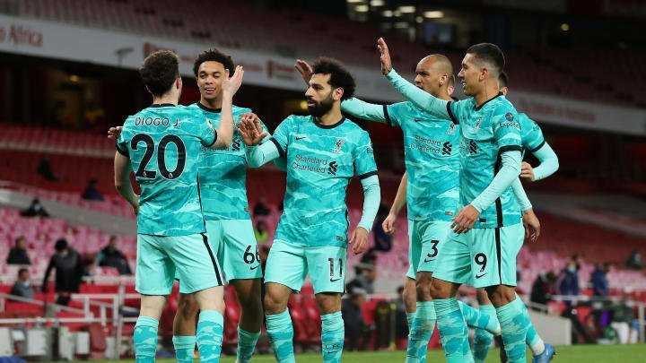 Liverpool stroll past Arsenal at the Emirates