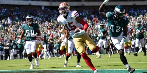 49ers hold off Eagles to reach 2-0 on the season