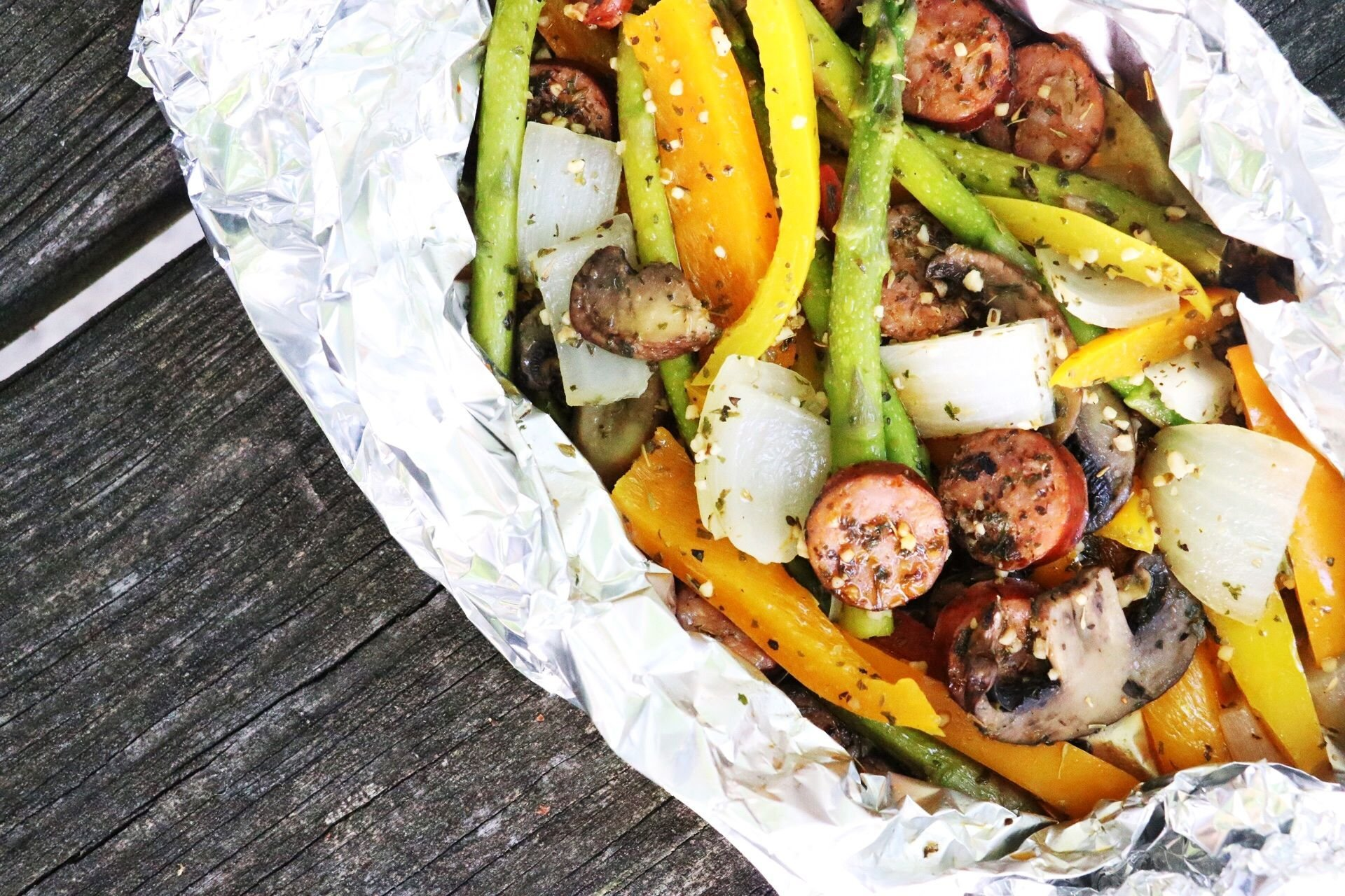 Low-Carb Keto Italian Sausage and Veggie Foil Packets