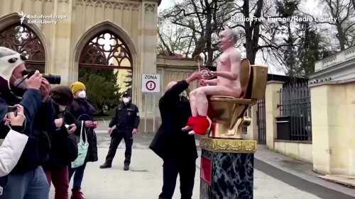 Czech protesters display naked Putin effigy in Prague