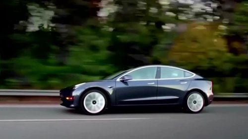 U.S. safety agency probes 10 Tesla crash deaths