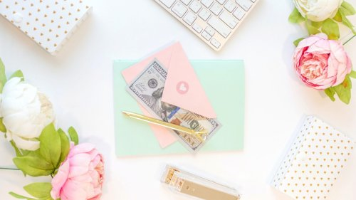 10+ tips for financially savvy women