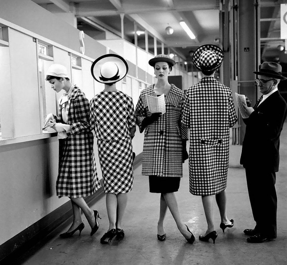 Beautiful Black and White Fashion Photography by Nina Leen in the 1940s and 1950s
