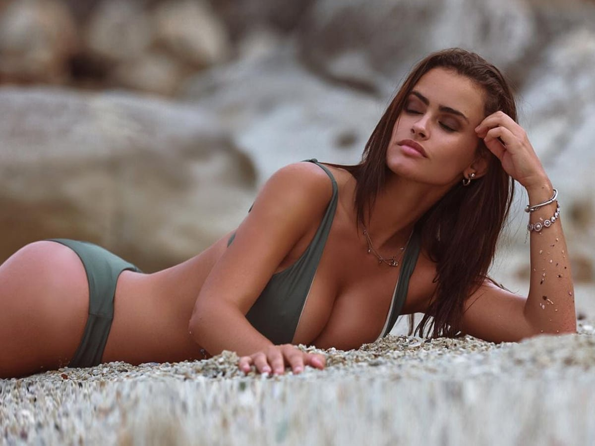 Top Instagram Girls of All Time (Must Follow)