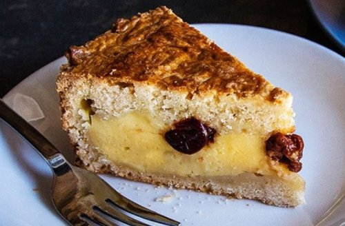 This Boozy Almond Lemon Cake Is The Stuff Of Dreams