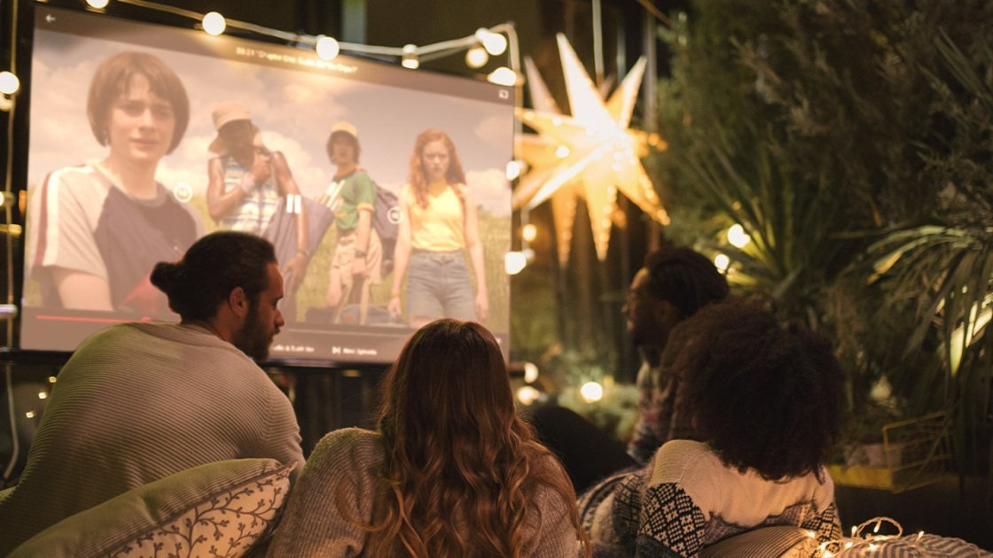 How to Create the Perfect Backyard Movie Night — on the Cheap