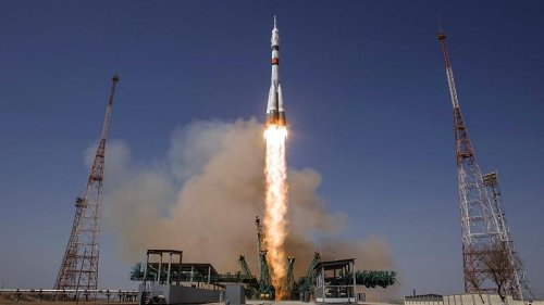 Russian-US crew departs to ISS for six month mission