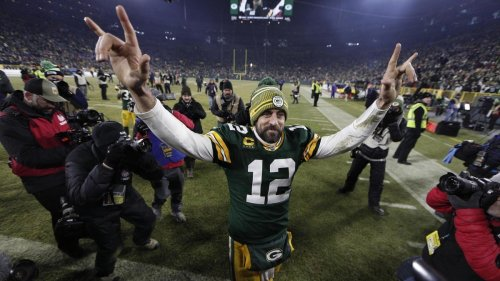 NFL Teams Open Training Camps With Rodgers Back in Green Bay