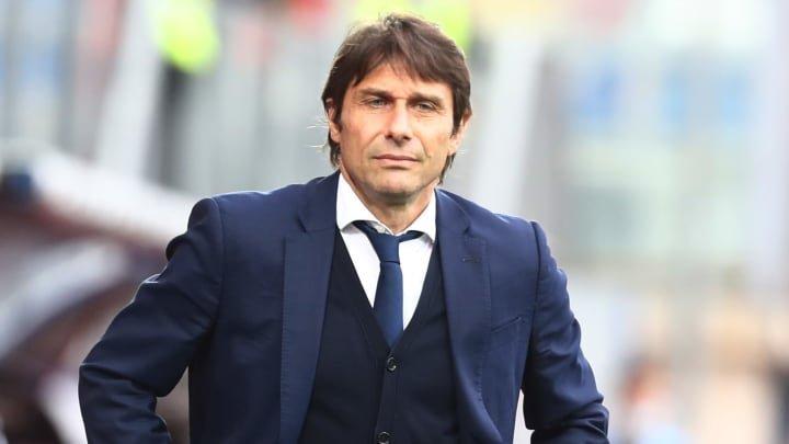 Tottenham consider Antonio Conte move