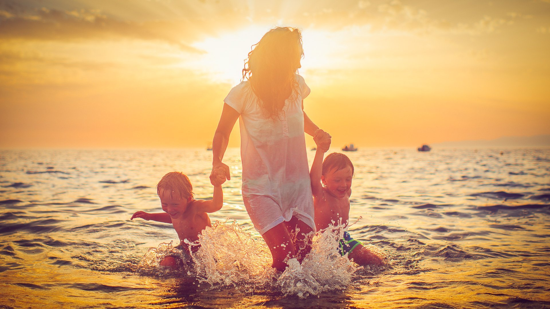 Covid-19 summer travel and money-saving tips to know