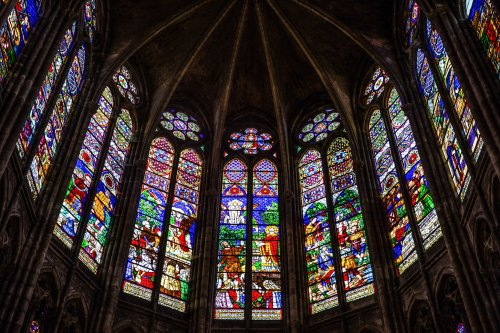 The First Gothic Cathedral: The Basilica Saint-Denis
