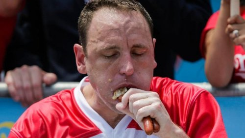 What Goes On In Joey Chestnut's Body?