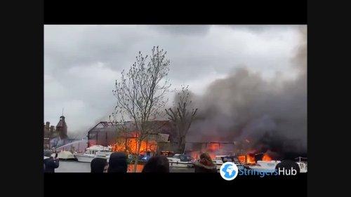 UK: Fire erupts on Platt's Eyot Island on river Thames in Hampton