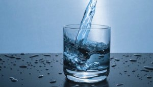 Are You Drinking Too Much Water? Here are Some Signs to Look Out For