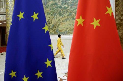 الاتحاد الأوروبي يحث الصين على ضمان حرية التعبير بعد مغادرة صحفي بي.بي.سي