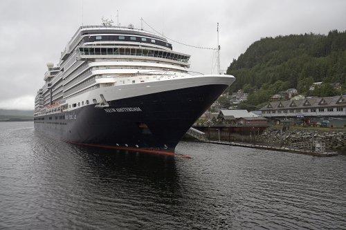 Coast Guard: 6 dead in Alaska sightseeing plane crash