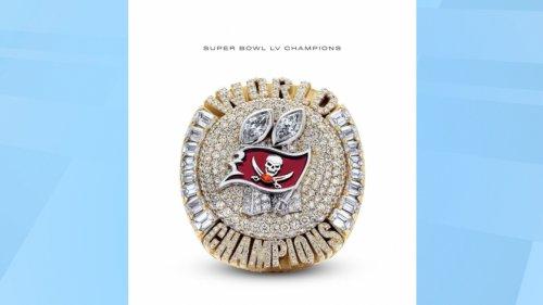 Tampa Bay Buccaneers Get Super Bowl Rings