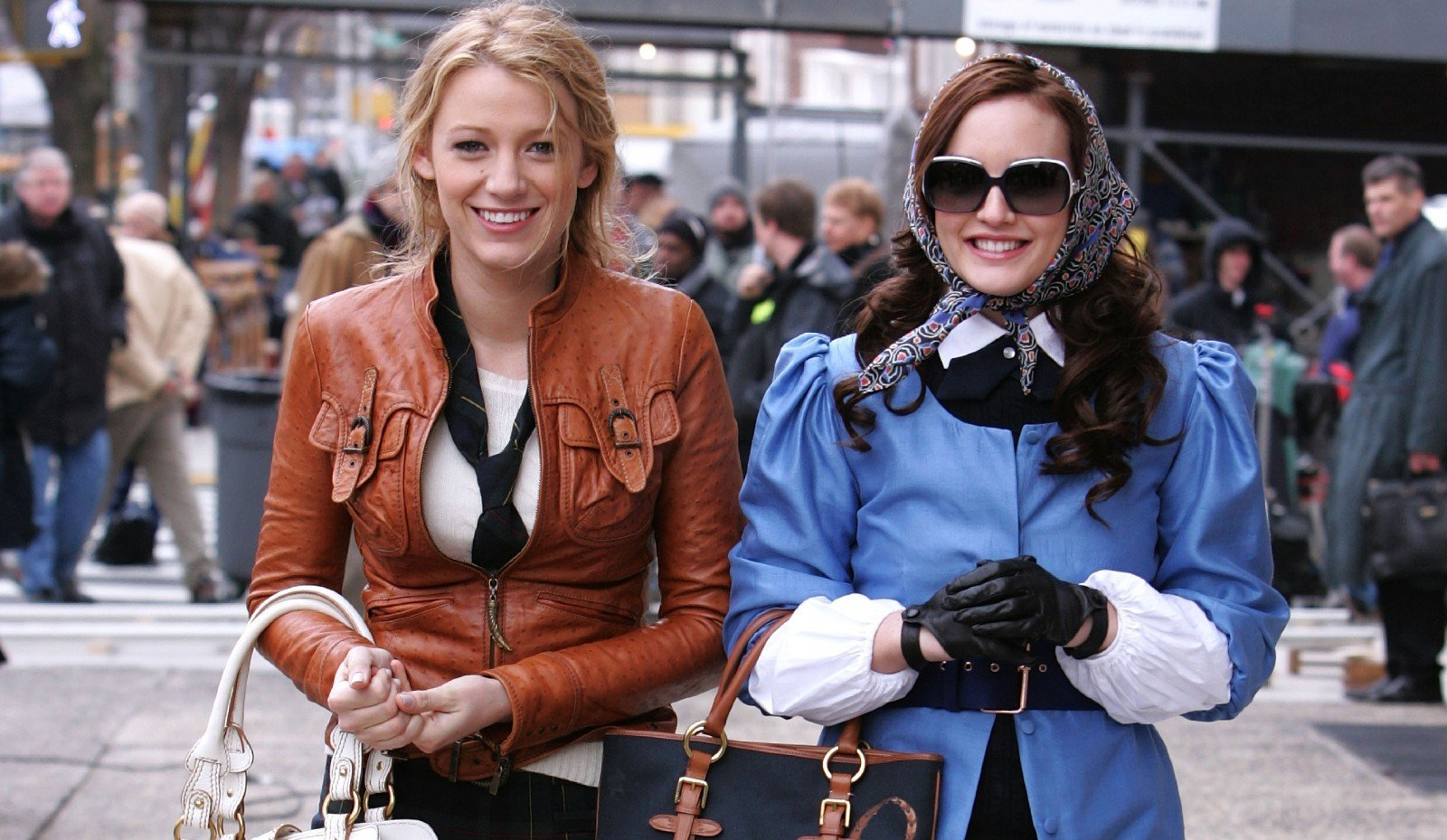 We gave these iconic Gossip Girl  outfits a 2021 upgrade