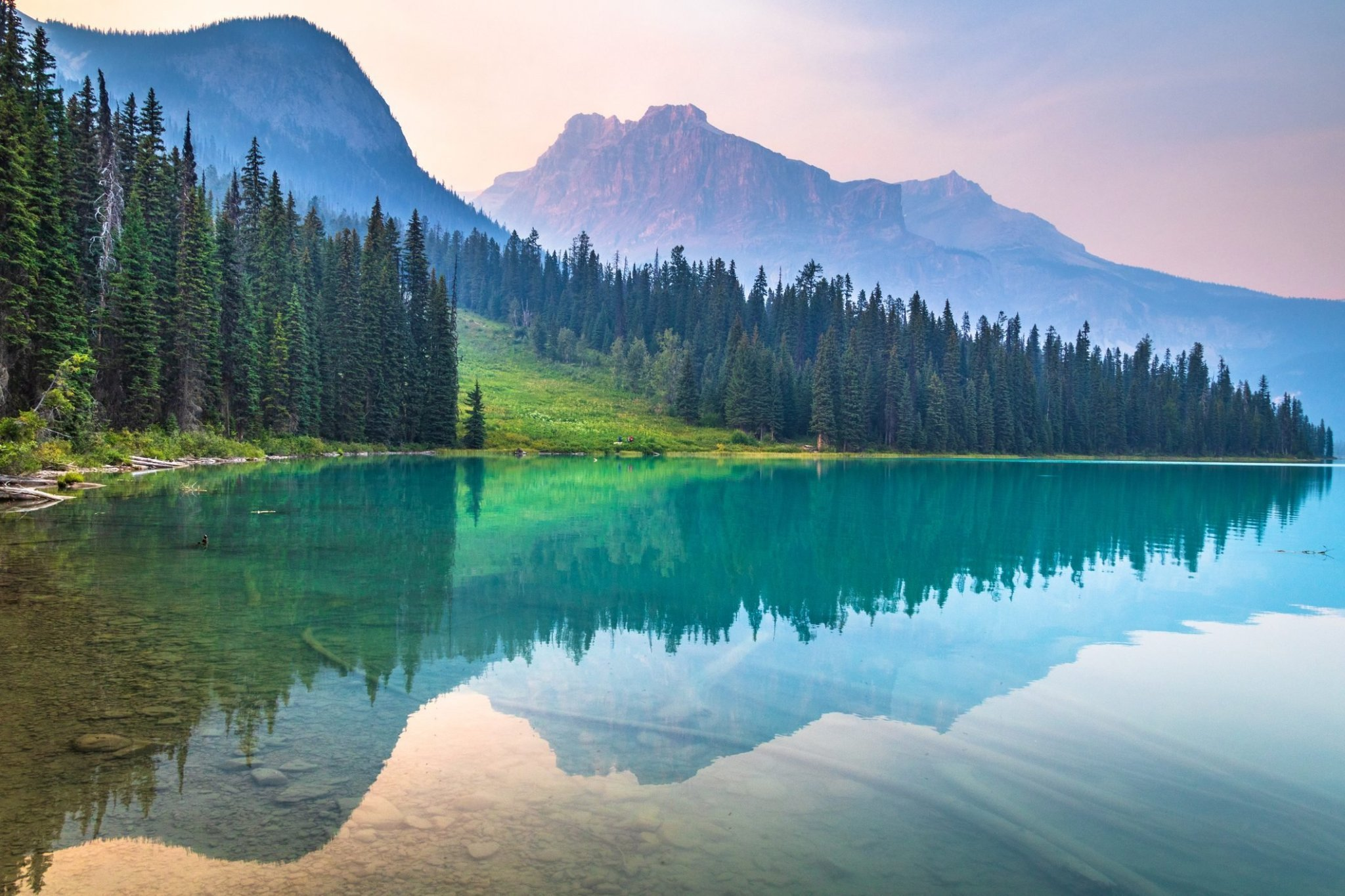 Clearest Lakes In The World & National Parks That Are Totally Photography-Worthy