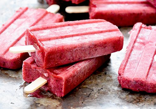 Berry-Beer Popsicles {Beer-sicles!} | Floating Kitchen
