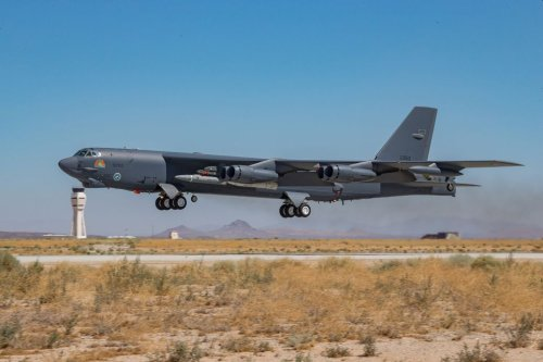 Long-Awaited B-52 Engine Replacement Contract Announced | Flying