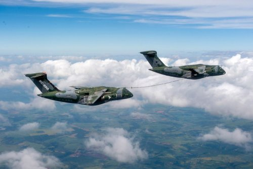 Embraer Makes Successful Aerial Refueling with KC-390 Millennium