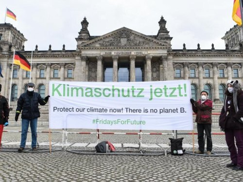 Nach zwei wegweisenden Urteilen wollen Klimaschützer eine Prozesslawine lostreten