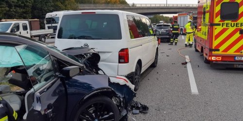 Feuerwehr München: FW-M: Auffahrunfall mit drei Fahrzeugen (A 99)