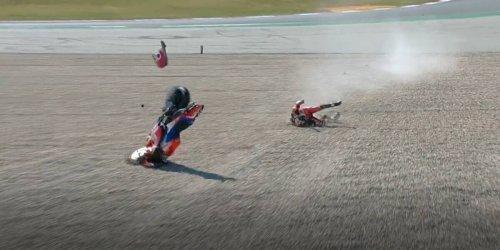 MotoGP-Video: Jorge Martin wird nach Sturz brutal durch Kiesbett geschleudert