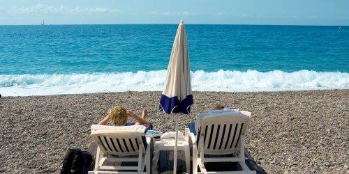 Täglich neue Gesetze: Spanien droht Reisewarnung, Griechenland verschärft Regeln - was jetzt im Urlaub gilt