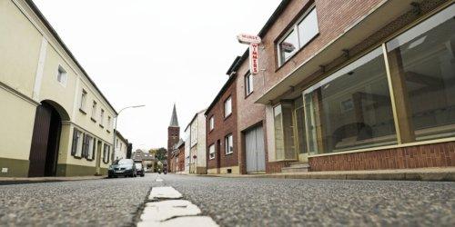 Was wird aus der Kirche in Keyenberg? / Tagebau Garzweiler spaltet alte und neue Dorfgemeinschaft