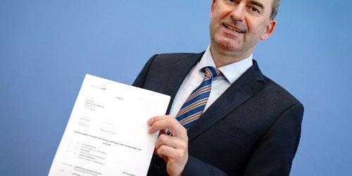 Freie Wähler wollen Notbremse kippen: CSU kontert scharf