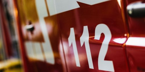 Feuer in Container: Rettungskräfte finden verbrannte Leiche