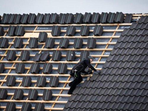 Das Holz wird knapp: Deutsche Handwerker leiden unter Rohstoff-Engpässen