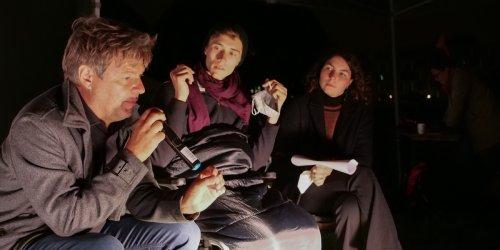 """""""Nichts gewonnen, wenn ihr sterbt"""" : Habeck bittet verzweifelt um Hungerstreik-Ende, nun gehen Aktivisten noch weiter"""