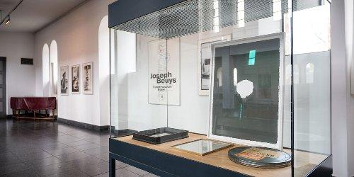 «Erfinder der Elektrizität»: Der religiöse Beuys in Berlin