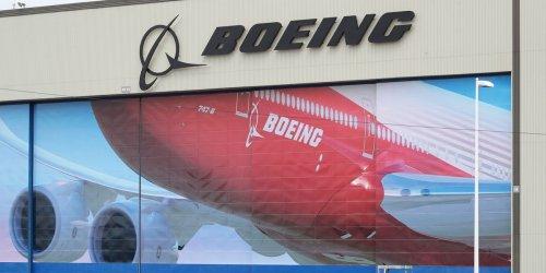 Flugzeugbauer im Würgegriff: Amazon und Space X krallen sich reihenweise Boeing-Ingenieure - Experte in Sorge