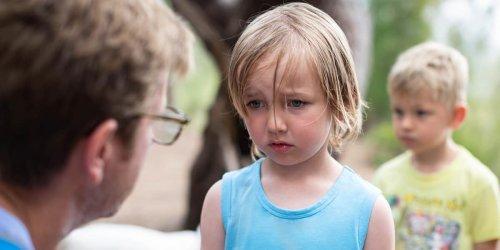 Erziehung als Machtkampf: Familientherapeut Jesper Juul erklärt einen der größten Erziehungsfehler