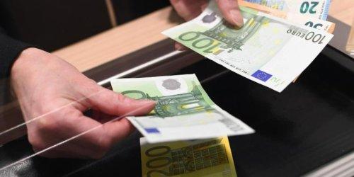 Rechtswidrige Gebührenerhöhung: Bis zu 300 Euro Erstattung! So bekommen Kunden ihre Bankgebühren zurück