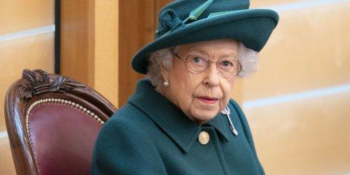 Fotos geben Anlass zur Sorge: Verdrängt die kranke Queen ihre Trauer? Psychologin sieht Verbindung zu Philips Tod