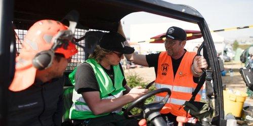 Weil Katastrophenschutz versagt: Helfer-Shuttle bringt 50.000 Freiwillige ins Ahrtal – nun klaut das Land die Idee