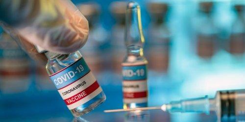 Infektionsrisiko um bis zu 17-mal reduziert: Israel-Daten zeigen, wie stark Drittimpfung Immunschutz auch von Jüngeren verbessert