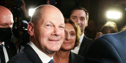 """Stimmen zur Wahl im Ticker: Scholz sieht Kanzler-Auftrag, Laschet will trotz Klatsche Regierung bilden, CDU-Frau fordert """"personelle Konsequenzen"""""""